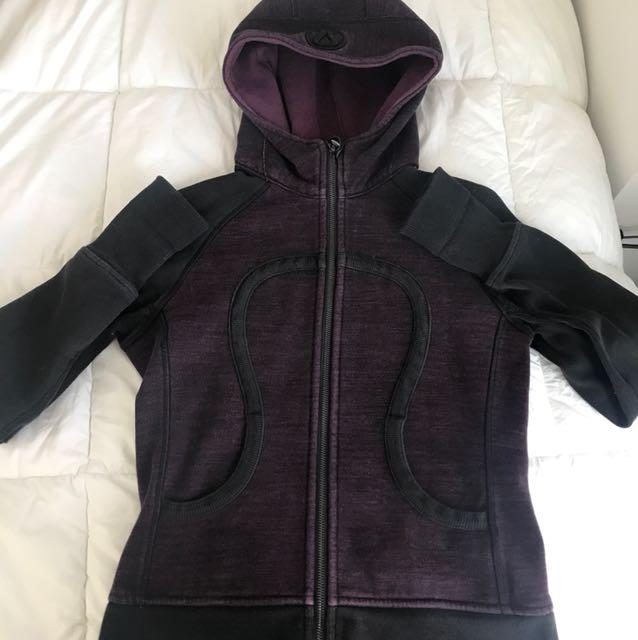 Lululemon scuba sweater size 6