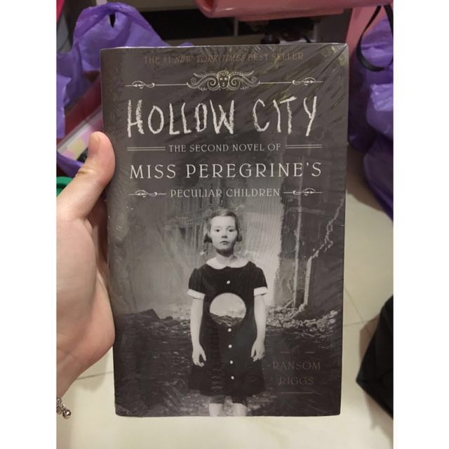 Miss Peregrine's Peculiar Children: Hollow City Novel