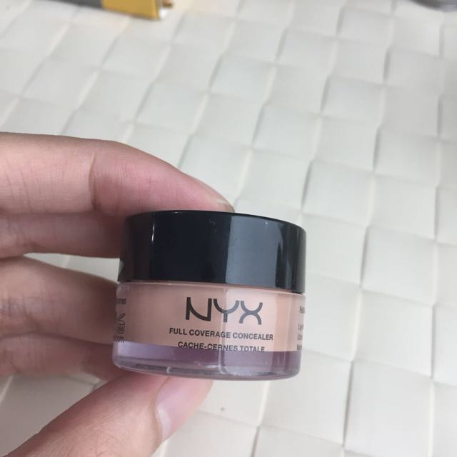 Nyx Concealer 90%