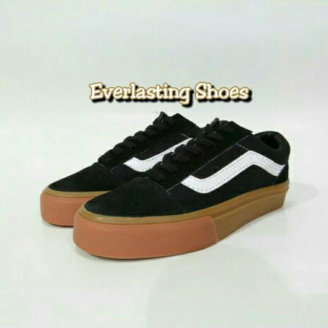 Sepatu Vans Oldskool Gum Hitam Premium Old School Brown Black Skool Grade Ori, Olshop Fashion, Olshop Wanita on Carousell