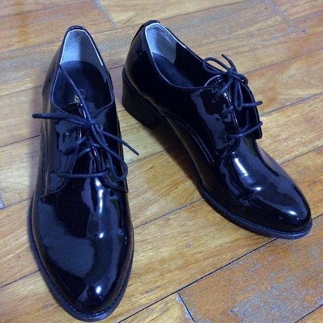 Shiny black Korea made formal shoes
