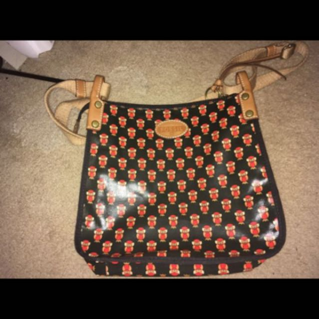These is an tan purse with owls on it by fossil. In great condition. Never been used. Willing to change the price.