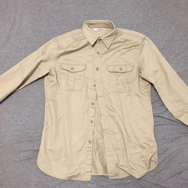 🤘🏻降🤘🏻Uniqlo軍裝襯衫