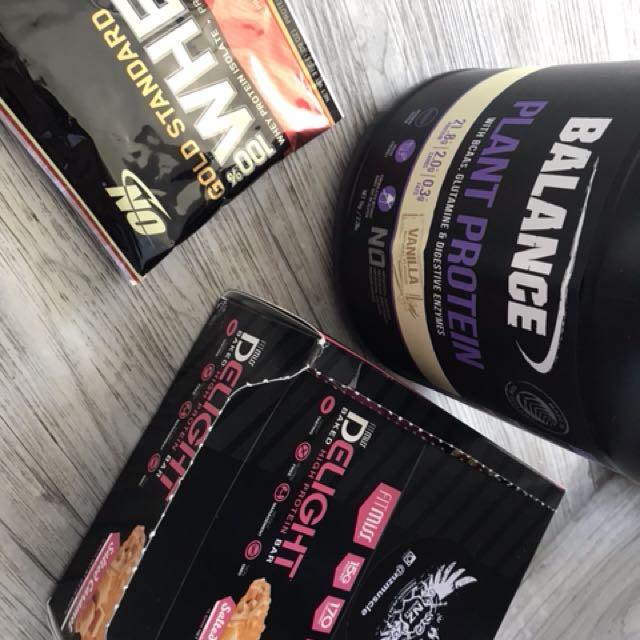 Vanilla protein & protein bars