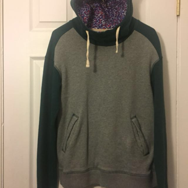 Vans mountain edition, gray and green drawstring hoodie  size m