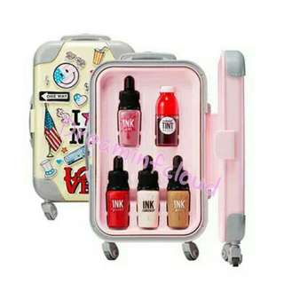 Clio Luggage Make Up Set