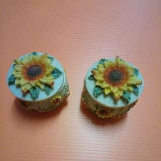 porcelain sunflower trinket box