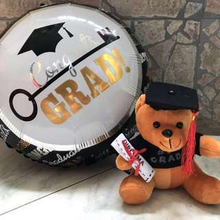 Graduation bear & balloon
