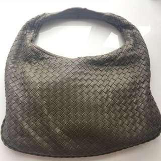 BV Bottega Veneta 灰色 Medium Veneta Bag