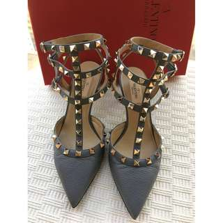 Valentino Garavani   rockstud heel pumps shoes  @Made in Italy  @Size 38