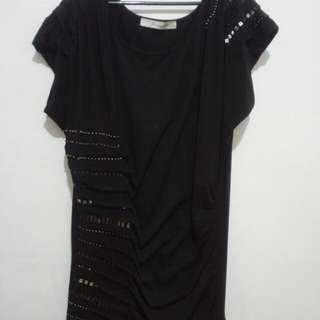 GEMMED PLEATED BLACK MINI DRESS