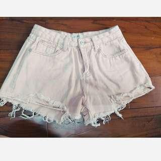 🚚 牛仔刷破中高腰短褲 可愛清新粉藕色 很適合夏天穿搭唷