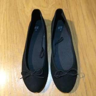 🚚 H&M 娃娃鞋 黑鞋 平底鞋 布鞋 百搭 37