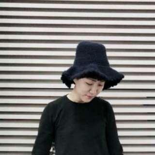 韓國厚織毛線花瓣滾邊卡其色漁夫帽