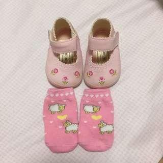 Preloved newborn shoes n socks