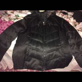This is an Zero Xprosur women XL winter coat. Willing to change the price.