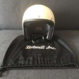 Biltwell helmet still new size M, bought and try on doesn't fit me . Vintage white