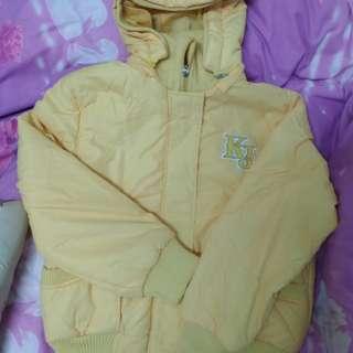 亮黃風衣外套