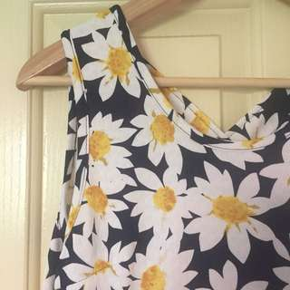 BNWOT Daisy Print Dress