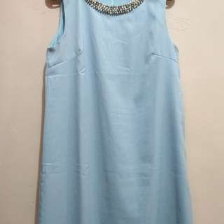 Dress biru.. cocok buat ke undangan ataupun jalan2.. Bahan adem.. very good condition.