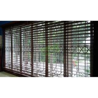 woodlook blinds - office furniture - partition