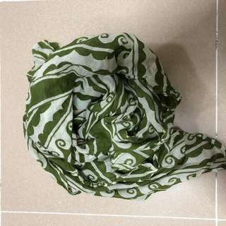 Green pattern scarf square