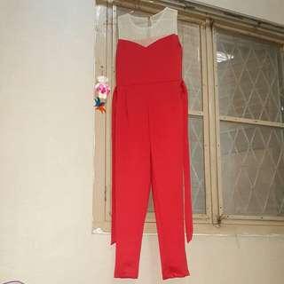 Jumpsuit merah buat imlek!