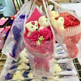 9pcs rose soap with 2 bears