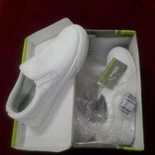 New Diadora kasut sekolah / shcool shoes