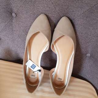 GAP NEW DESIGN FLAT SHOES FROM US