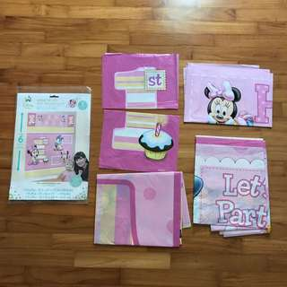 Minnie Mouse wall decorating kit, 1 year birthday banner