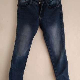 Celana jeans bahan tebal