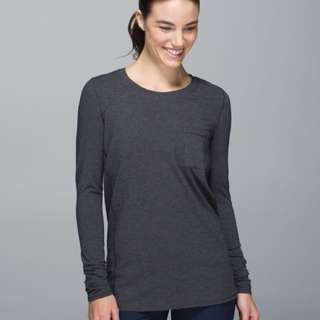 Lululemon free your zen long sleeve size 4