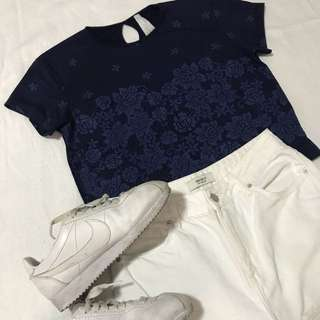 Blue floral cropped top