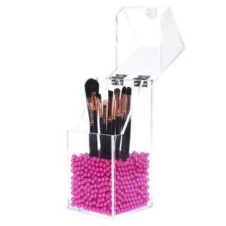 Small acrylic organiser for brushes