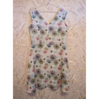 Dress motif dandelion