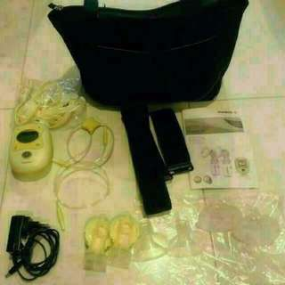 Medela Freestyle Hands-Free Breast Pump with lots of Accessories Included (Local Set)