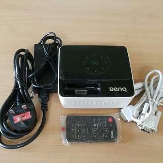 BENQ Joybee GP2 projector (palm-sized)