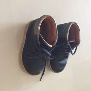 BABY LEATHER shoes size 22
