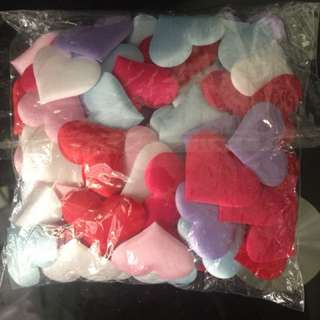 100 heart petal for valentine to put on bed