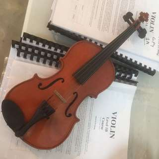 Used 1/8 Size violin