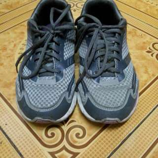 Authentic World Balance Running Shoes