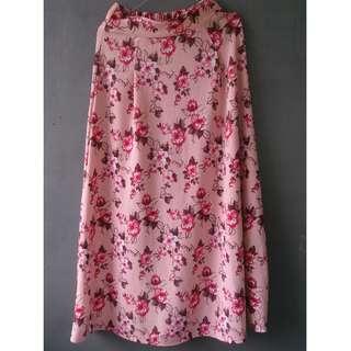 rok pink motif bunga