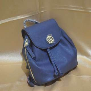 SALE : Tommy Hilfiger CS TH Twist mini Backpack Navy