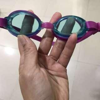 Kacamata renang anak speedo