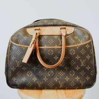 Louise Vuitton LV vintage monogram bag from Japan