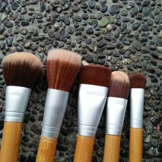 Bundle brushes