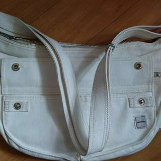 Porter 白色斜揹袋
