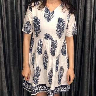 青花紋路洋裝