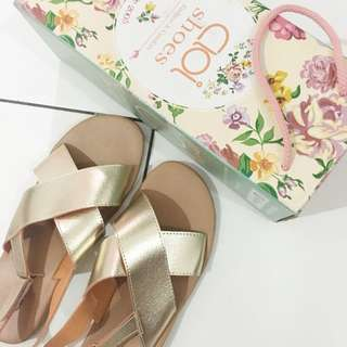 Cross strap sandals size 39